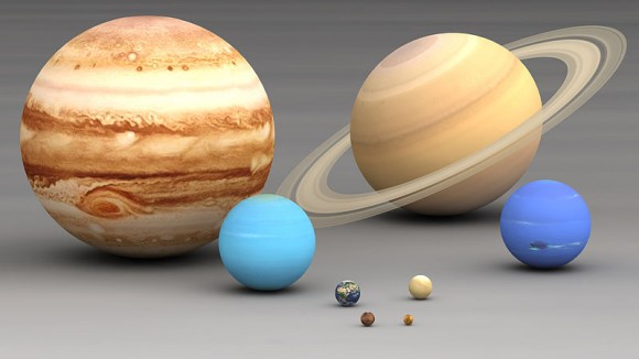 Planets in our Solar system size comparison. Largest to smallest are pictured left to right, top to bottom: Jupiter, Saturn, Uranus, Neptune, Earth, Venus, Mars, Mercury. Via Wikimedia Commons.