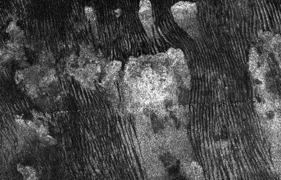 Radar image of rows of dunes on Titan (NASA/JPL-Caltech)