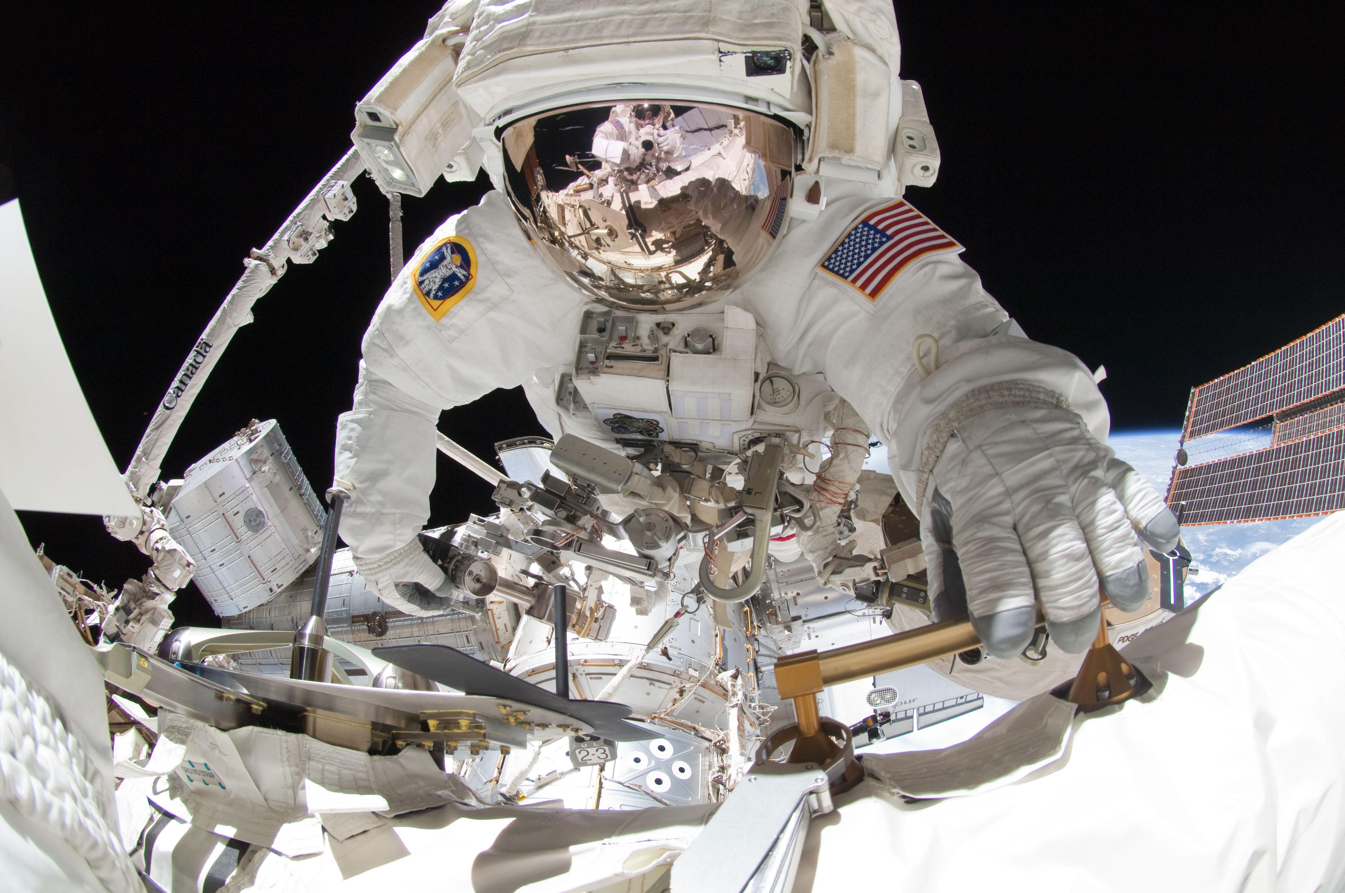 Contingency Spacewalk Planned Next Week, But Dragon Must ...