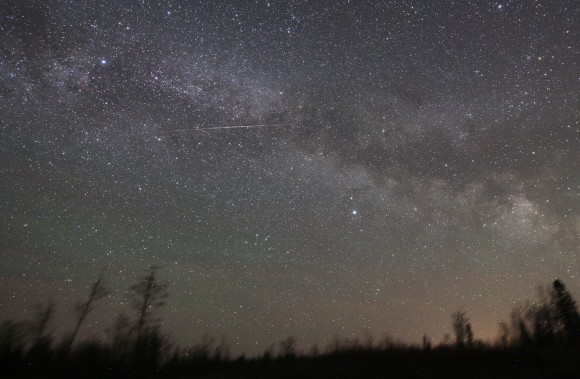 The 'Cam' left a long train across the Milky Way in the Summer Triangle. Credit: Bob King