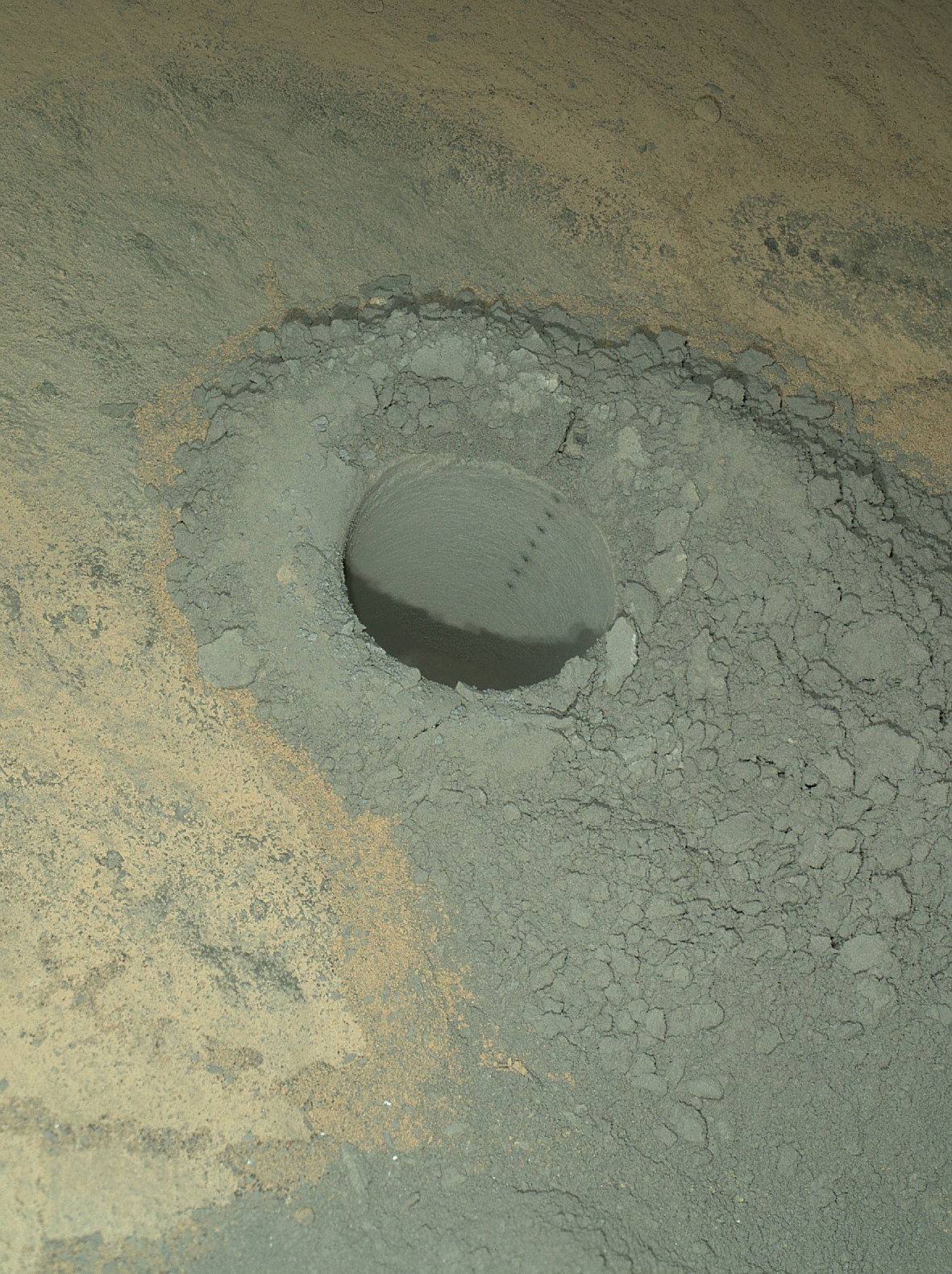 pia18091-Curiosity-Laser-Sharpshooting-Mars-full.jpg