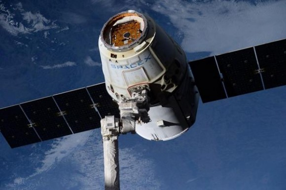 SpaceX Dragon Departs Space