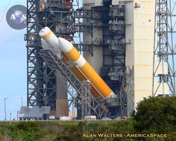 Trois lancements importants en décembre 2014. Delta-IV-Heavy-EFT1-Alan-Walters-580x464