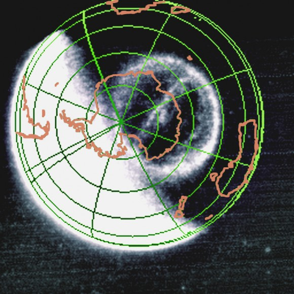The Theta Auroral Oval as observed by the NASA IMAGE FUV camera on September 15, 2005. (Credit: NASA/SWRI)