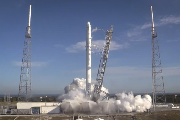 SpaceX Falcon 9 rocket completes successful static fire test on Dec. 19 ahead od planned CRS-5 mission for NASA in early January 2015. Credit: NASA
