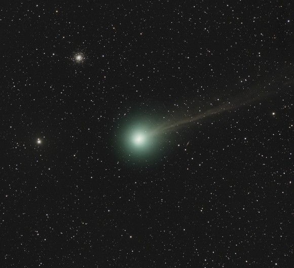 A splendid capture of comet Q2 Lovejoy as it passes near M79 at the end of 2014. Credit and copyright: Andre van der Hoeven.