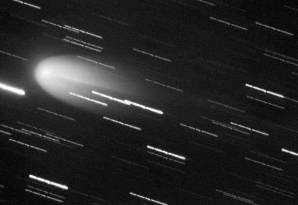 Comet Finlay in outburst on January 20, 2015 shows a beautiful parabolic-shaped head. Credit: Joseph Brimacombe