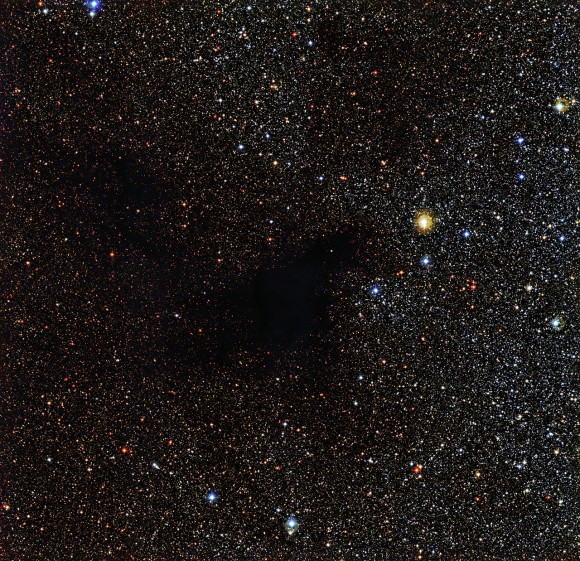 The dark nebula LDN 483 imaged by ESO's La Silla Observatory in Chile (ESO)