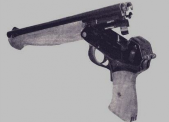 A TP-82 pistol depicted in a Russian manual. Via Wikimedia.