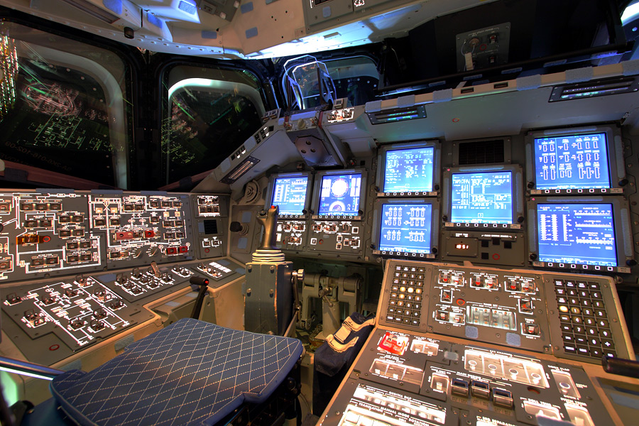 space shuttle flight deck - photo #22
