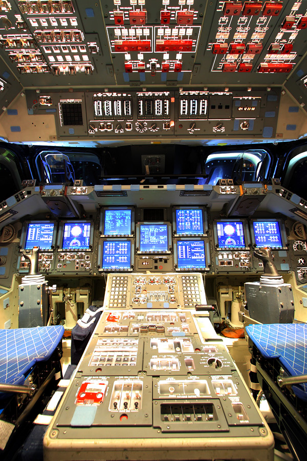 space shuttle flight deck - photo #10