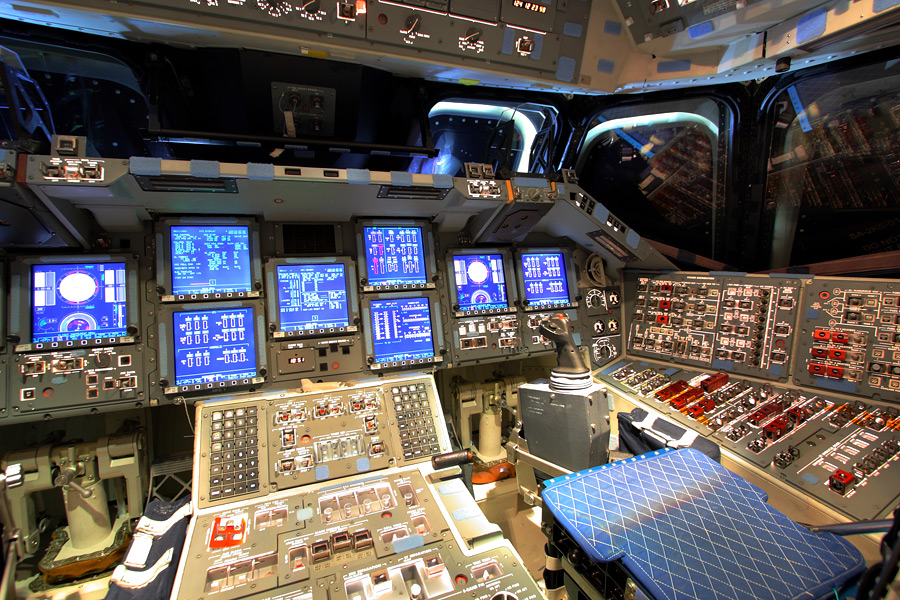 space shuttle flight deck - photo #18