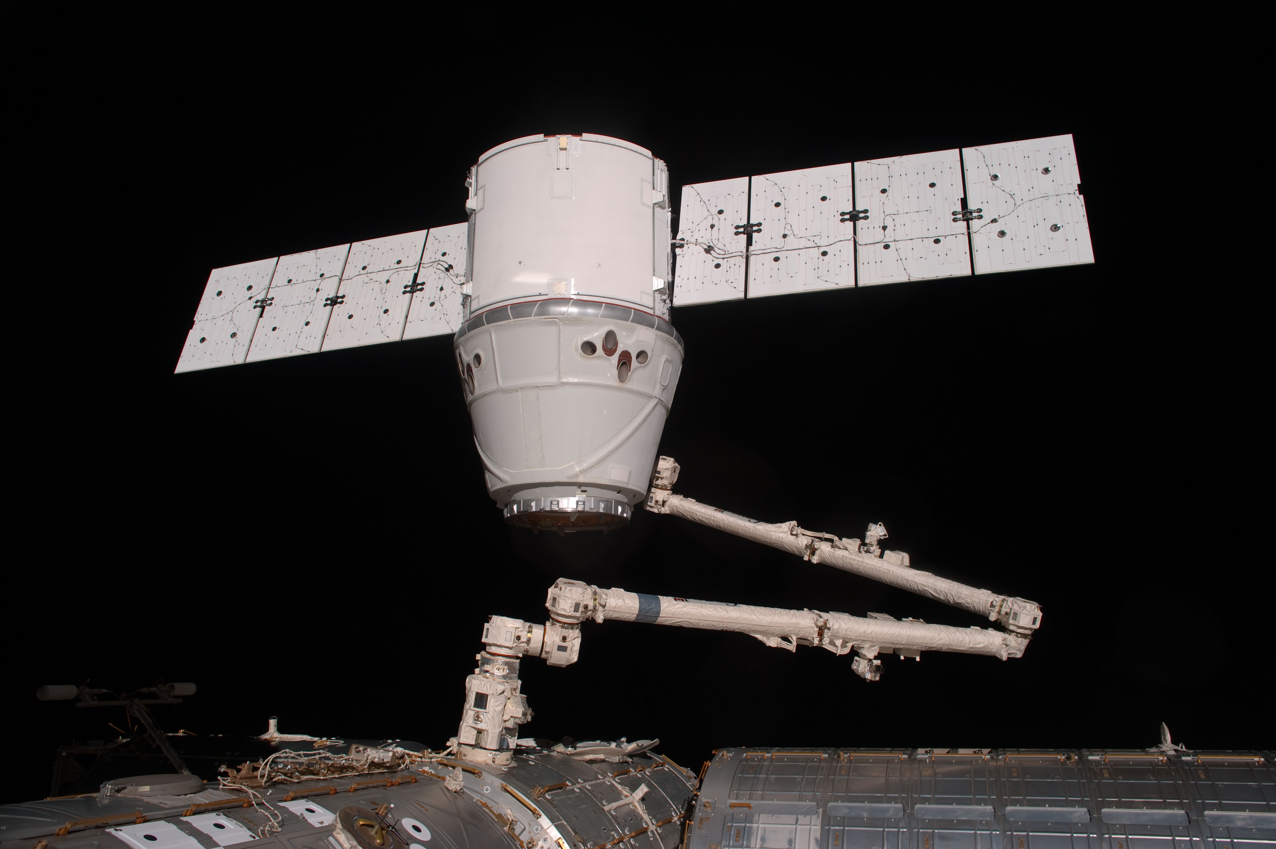 SpaceX Dragon Sealed for Earth Return on May 31