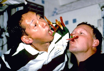 how astronauts eat in space - photo #30