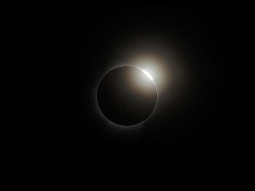 The diamond ring effect as seen during a 2008 total solar eclipse. (Credit: NASA/Exploratorium).