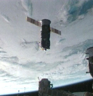 A Progress spacecraft inbound for docking with the International Space Station. (Credit: NASA).