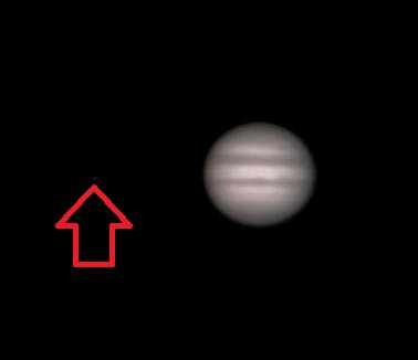 Jupiter and Io (arrowed) as imaged on the evening of December 22nd, 2013 by the author.