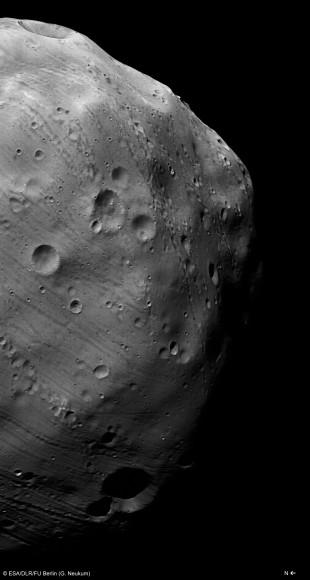Mars_Express_HRSC_image_of_Phobos_taken_on_7_March_2010