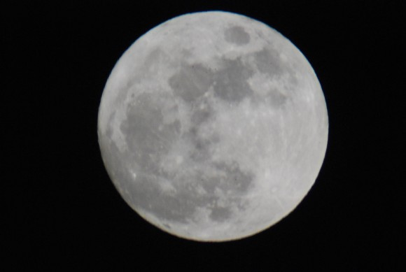 """Last month's rising """"Mini-Moon"""" of 2013. (Photo by Author)"""