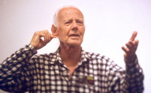 John Dobson tugs on his ear during a lecture as guest speaker during Northwoods Starfest near Eau Claire, Wis. U.S. in August 2000. Credit: Bob King