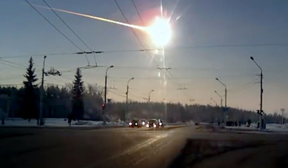 Chelyabinsk fireball recorded by a dashcam from Kamensk-Uralsky north of Chelyabinsk where it was still dawn.