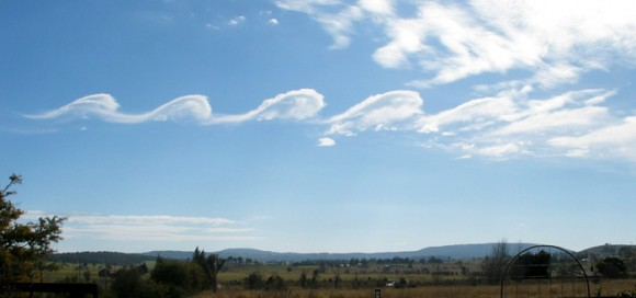 Wave clouds forming over Mount Duval, Australia from a Kelvin-Helmholtz Instability. Credit: GRAHAMUK / English language Wikipedia