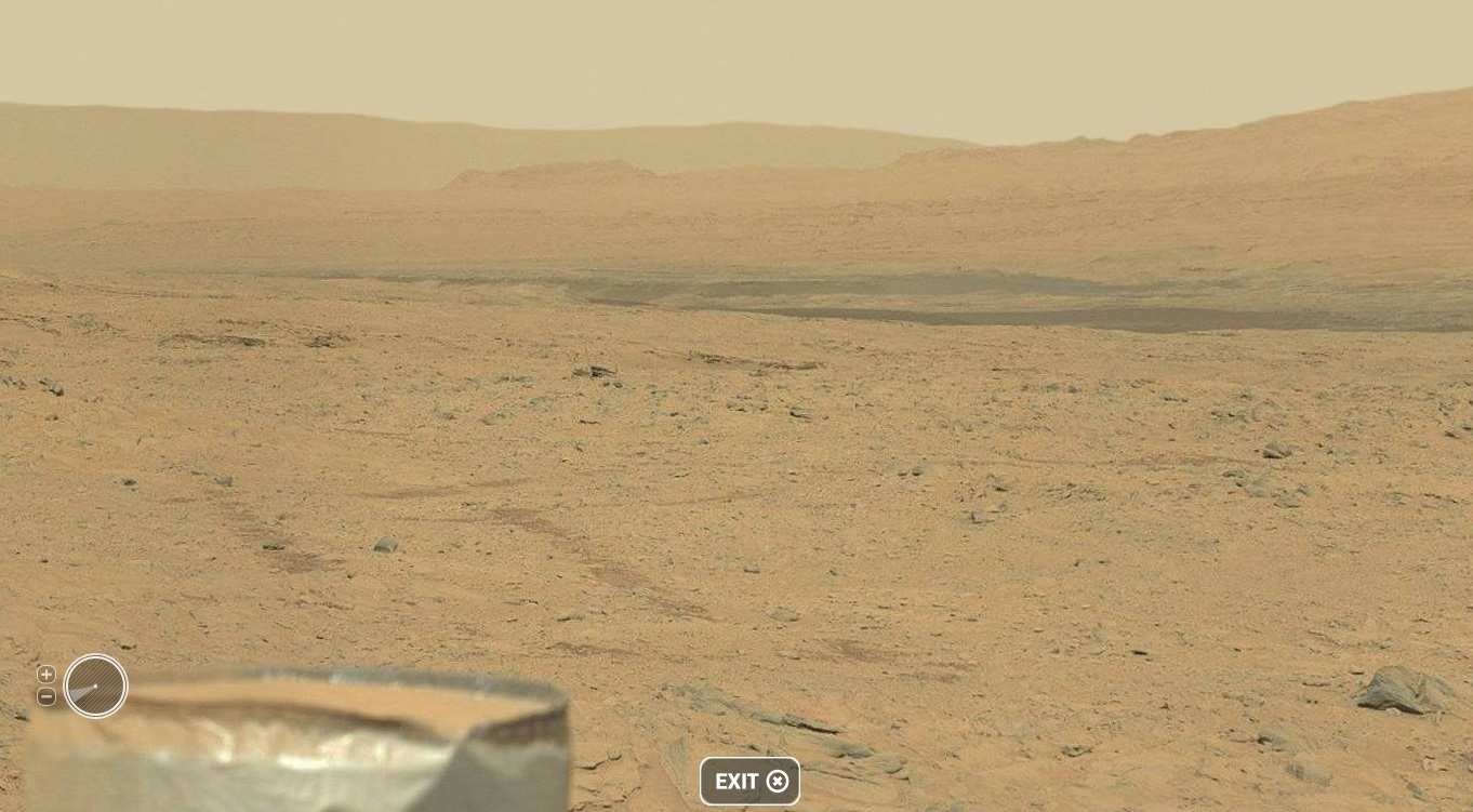 Mars Panorama Shows Off Rocks, Mountains and Curiosity Rover