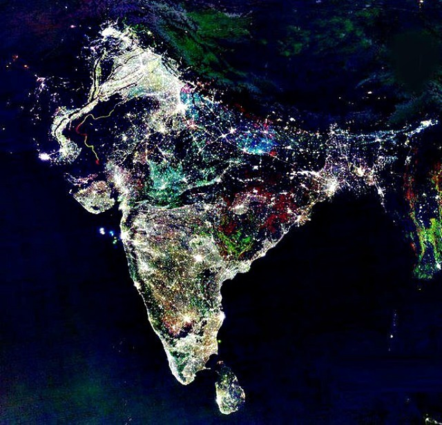 fake-real-piture-photo-of-india-on-diwali-night-from-space