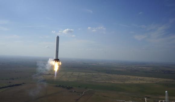 A Falcon 9 Grasshopper conducting VTVL testing. Credit: SpaceX