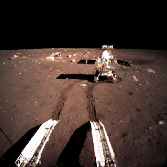 The Yutu rover leaves the Chang'e 3 lunar lander in December 2013. Credit: Chinese Academy of Sciences
