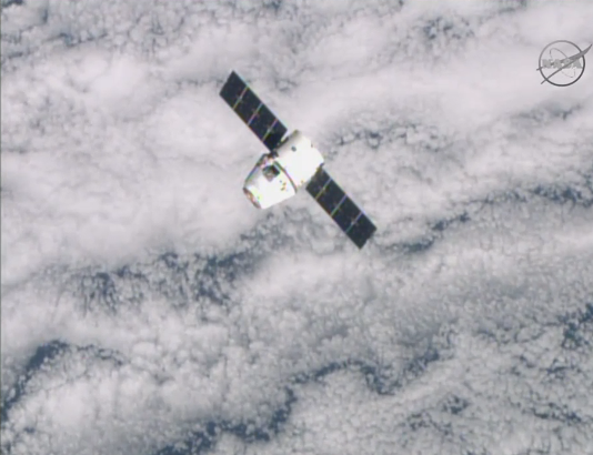 #Dragon is about 90 feet from #ISS, closing in on its capture point.  Credit: NASA TV